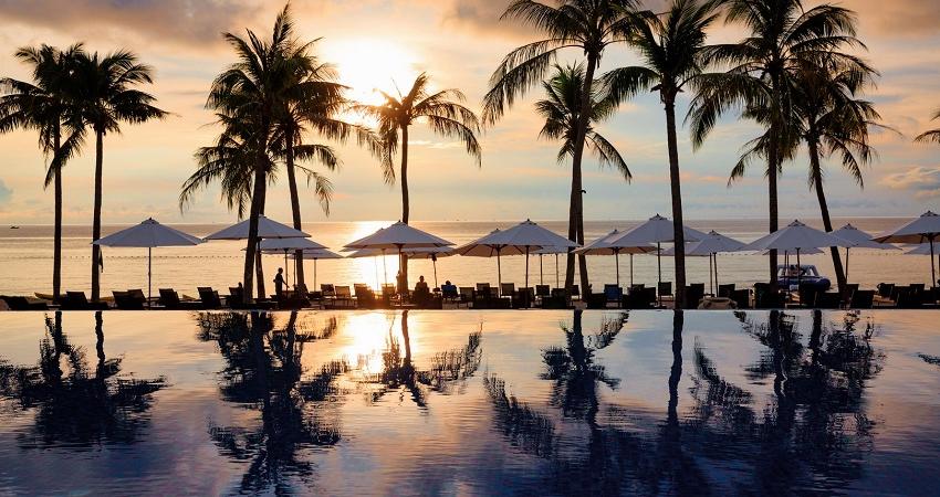 Ngắm hoàng hôn tại Novotel Phú Quốc