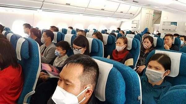 đặt vé máy bay cho chuyên gia nước ngoài