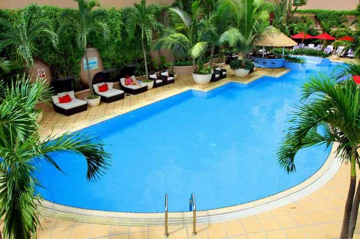 Hồ bơi tại khách sạn Caravelle Sài Gòn
