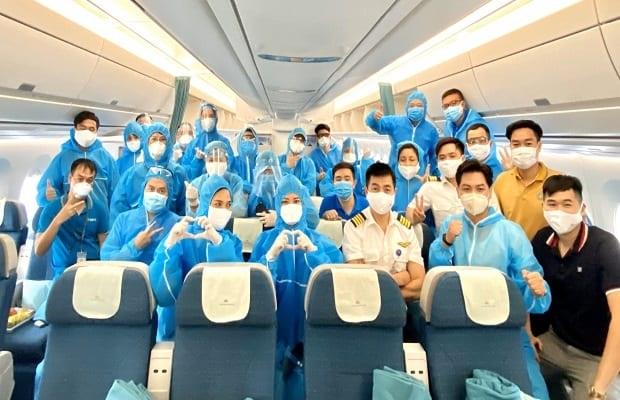 vé máy bay từ nước ngoài về việt nam