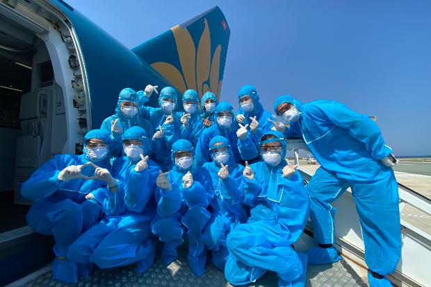 vé máy bay charter từ nước ngoài về việt nam
